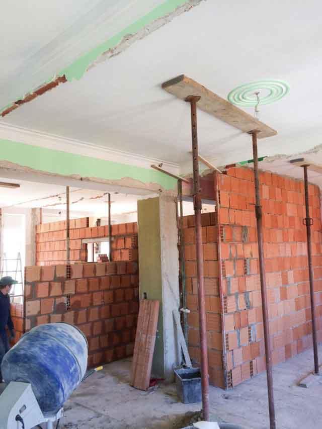 Ristrutturazione interna muratore - Costi ristrutturazione casa vecchia ...