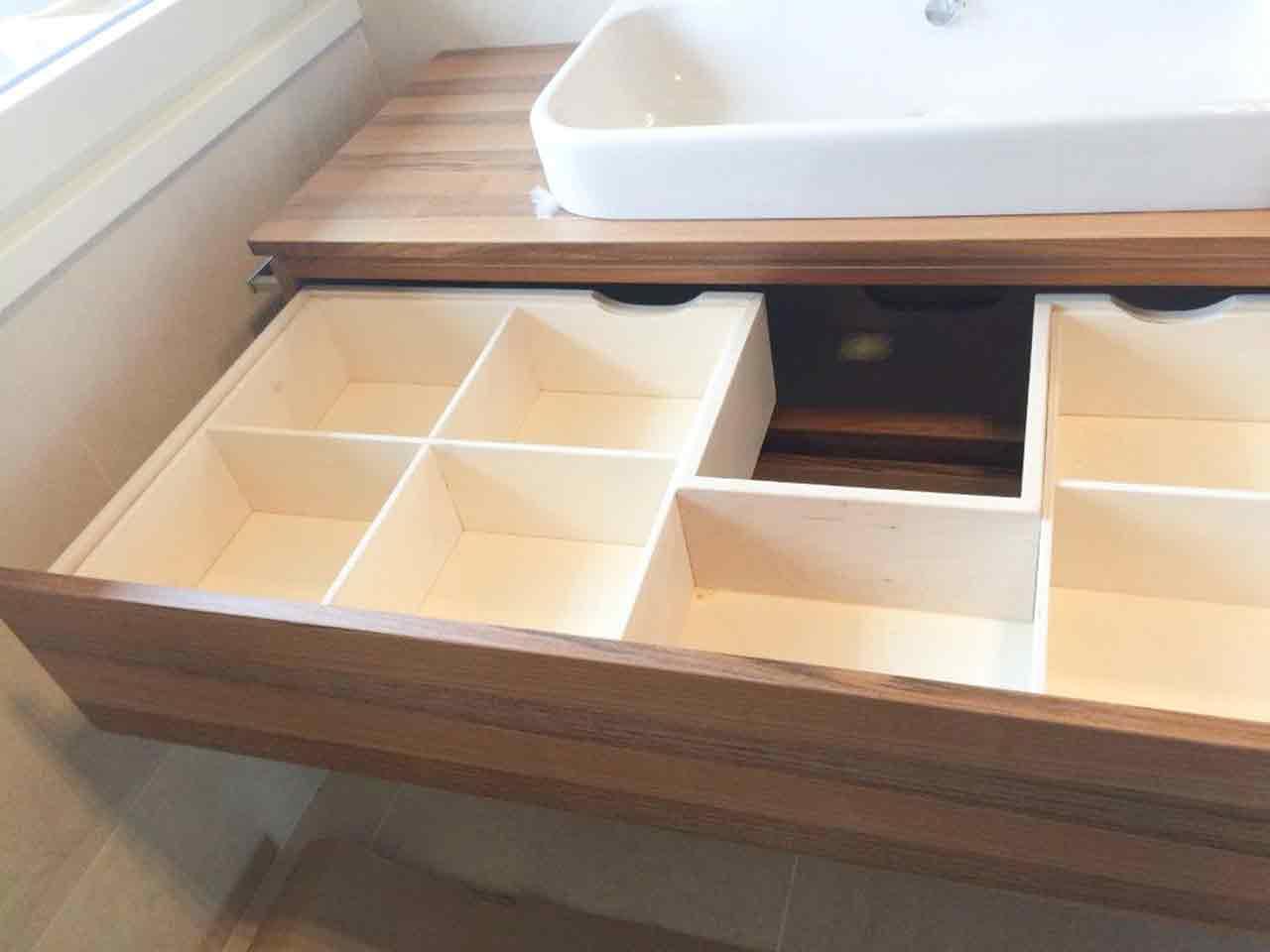 Fornitura mobili per bagno arredamento su misura - Mobili bagno brianza ...